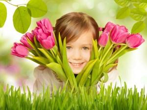 ワイズルーム 少女 笑顔 春