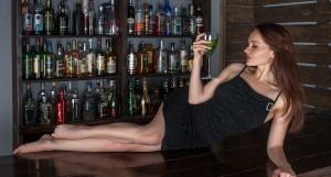 ワイズルーム バー セクシー 女性