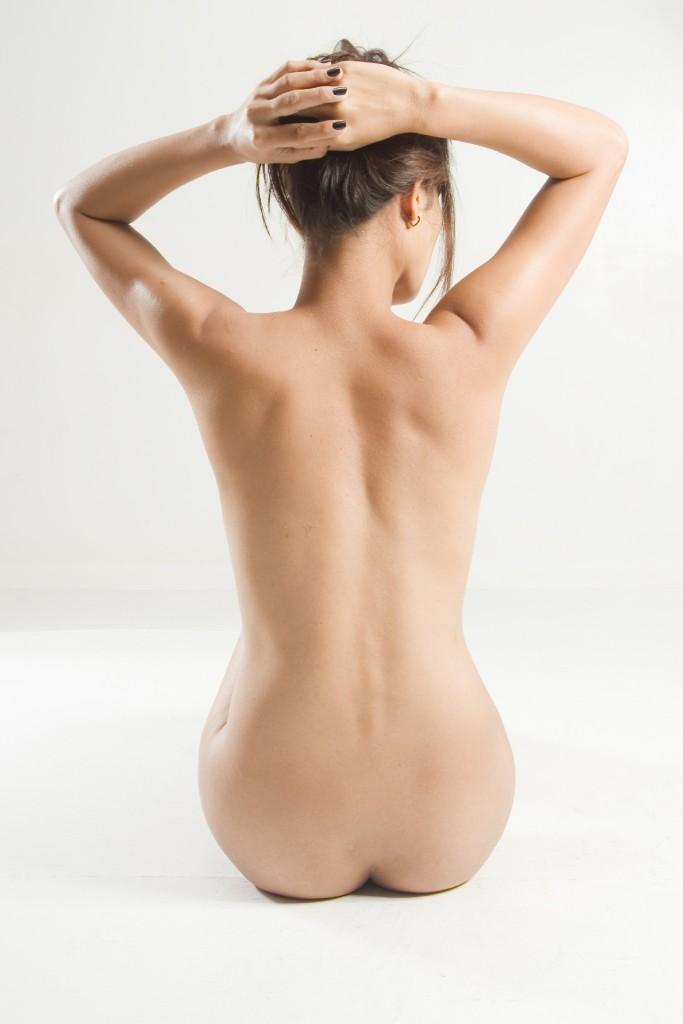 ワイズルーム ヌード 女性